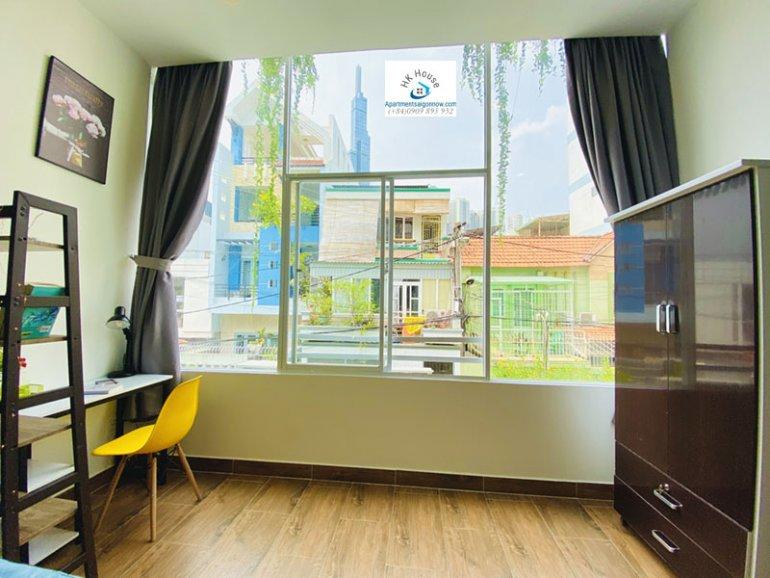 Căn hộ dịch vụ cho thuê trên đường Tân Cảng quận Bình Thạnh dạng 1 phòng ngủ gác lửng và ban công ID 605 số 10