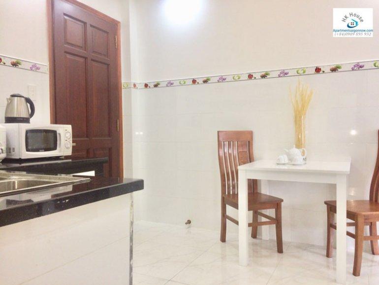 Căn hộ dịch vụ cho thuê trên đường Phạm Ngọc Thạch quận 3 với 1 phòng ngủ có ban công ID 270 số 1