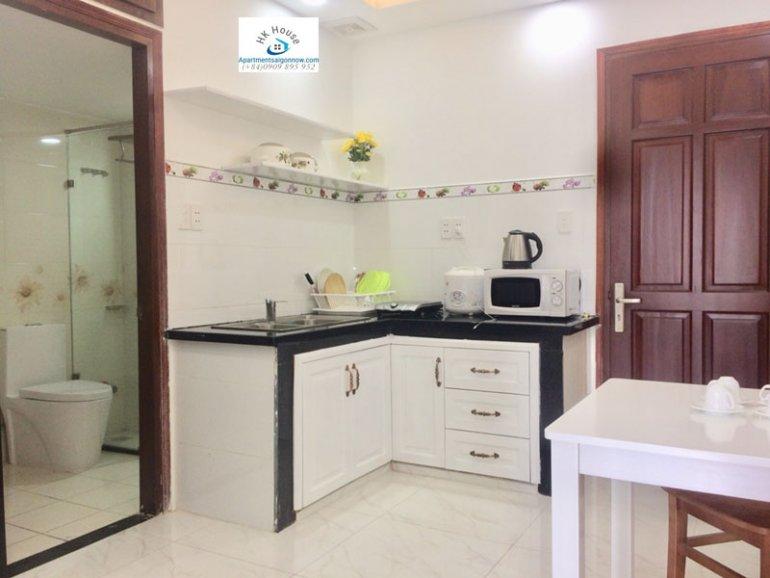 Căn hộ dịch vụ cho thuê trên đường Phạm Ngọc Thạch quận 3 với 1 phòng ngủ có ban công ID 270 số 13